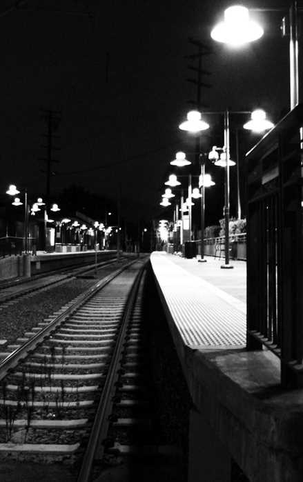 2011.11_night.station.jpg